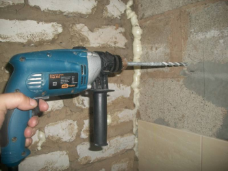 Как сделать отверстие в бетоне без перфоратора?