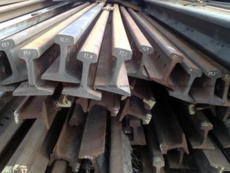 Из какого металла делают рельсы?