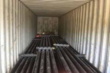 Погрузка труб в контейнер